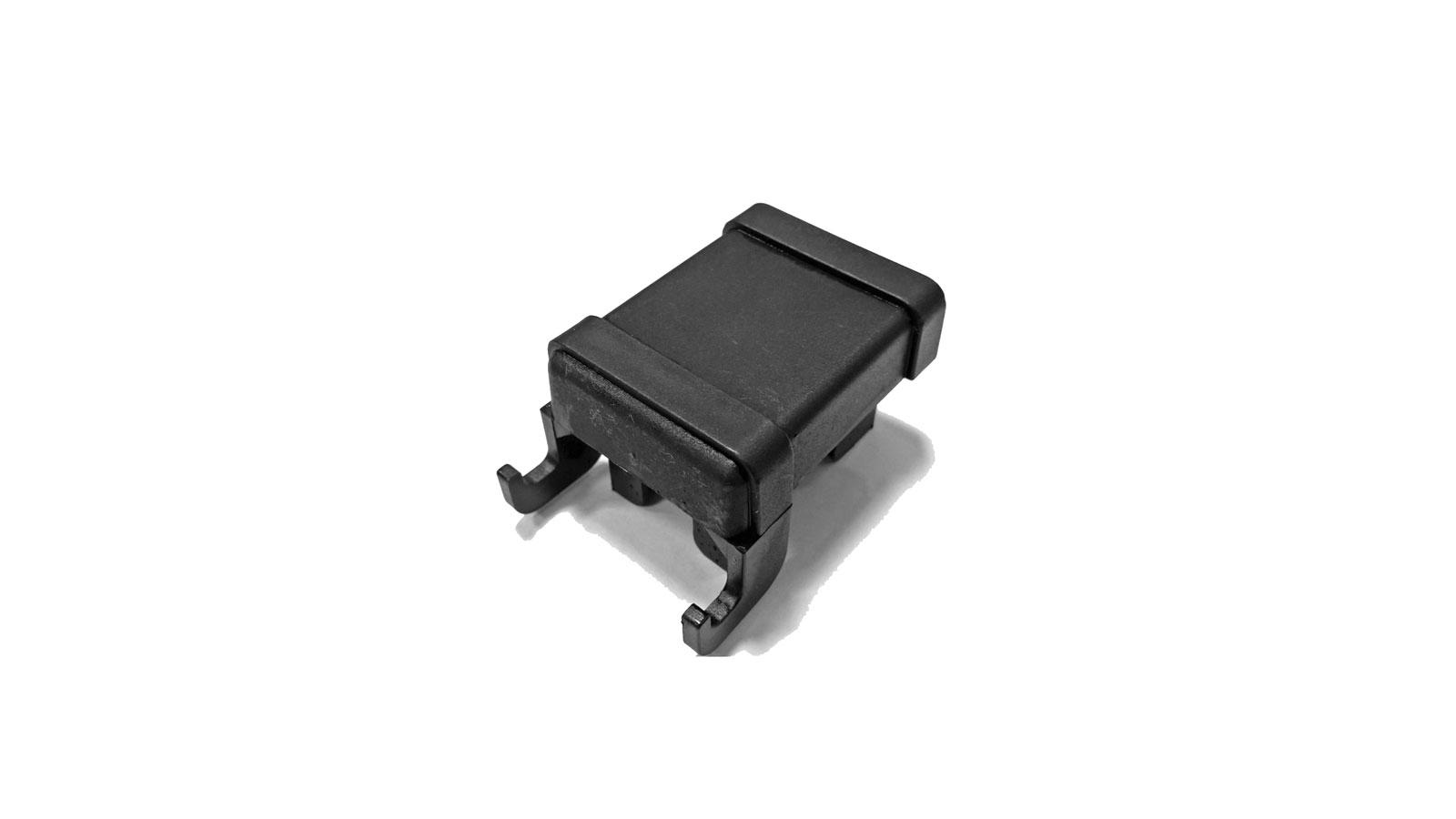 Kunststof-afsluitdop-60x40-mm-omsteek-met-ophanghaakjes-1