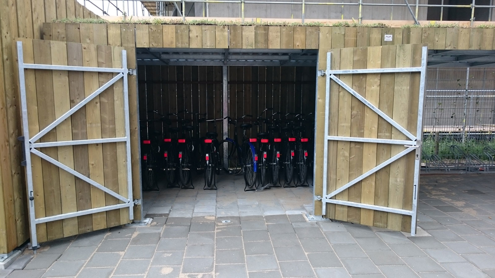 fietsenstalling-vurenhout-02