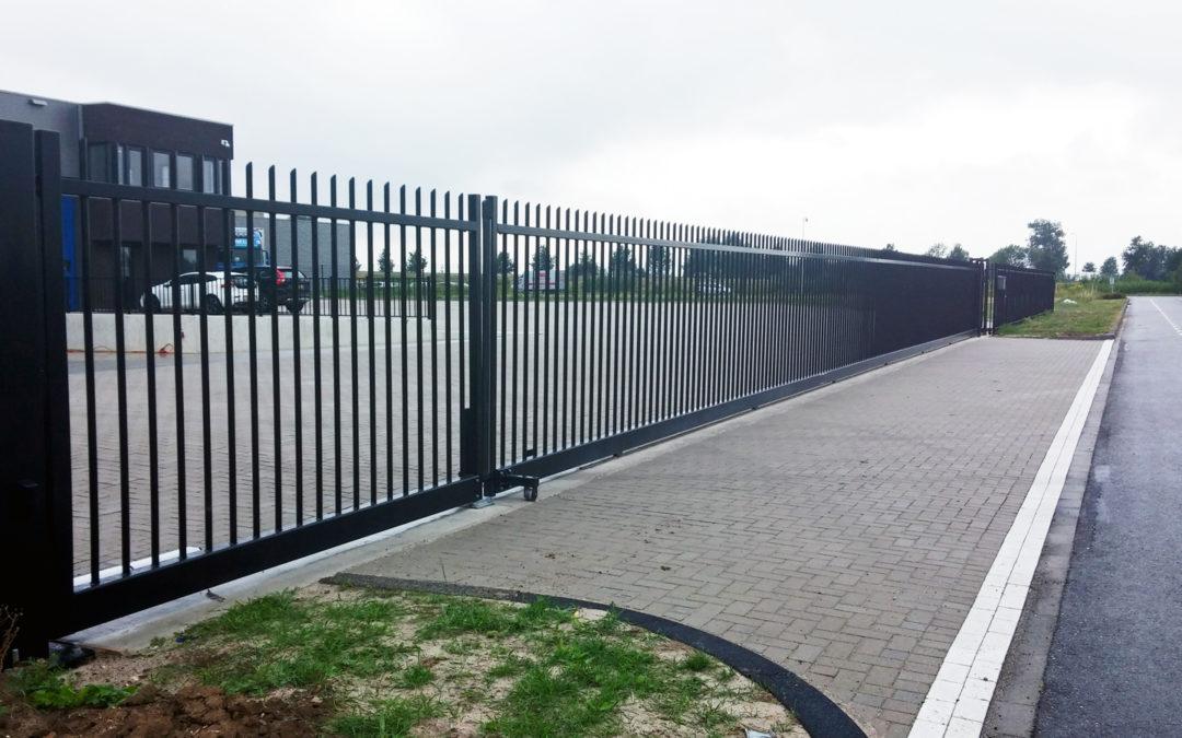 Railpoort en draaipoort met totale doorgang van 30 meter!